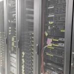 랙에 네트워크 장비를 설치하는 방법